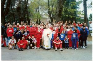 societa-gruppo con parroco